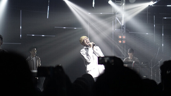 """Teddy Adhitya – Pertunjukan Satu Tahun Perayaan Debut Album """"Nothing is Real"""""""