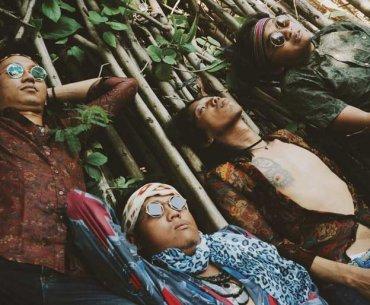 Dandelions Pesta Musim Mekar Bali Jakarta