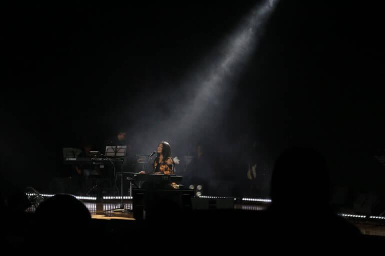 Yura Yunita Merakit Konser Review