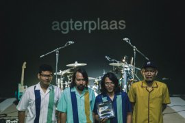 Review The Adams Agterplaas Album